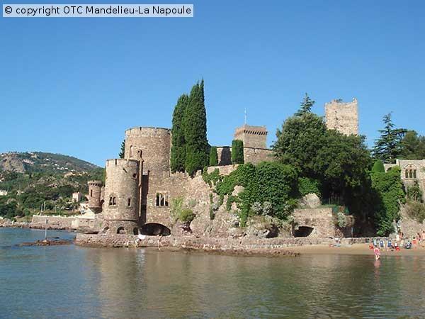 chateau-de-la-Napoule-2